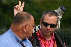 Pat Behar, FIA, Photographe, délégué et Mark Thompson, Getty Images, Photographe