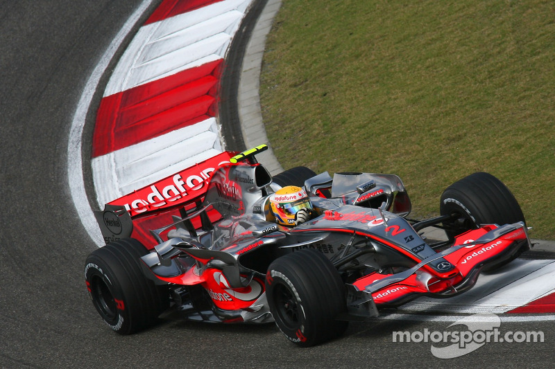 2# : Lewis Hamilton, McLaren MP4-22