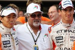 l-r, Sakon Yamamoto, Spyker F1 Team, Dr Vijay Mallya, Kingfisher ve Adrian Sutil, Spyker F1 Team