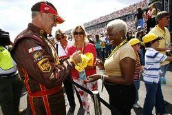 Dale Jarrett signs autographs