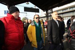 Antonin Charouz, titulaire du siège A1 Equipe de République Tchéque avec Emerson Fittipaldi, titulaire du siège A1 Equipe du Brésil