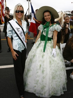 The lovely Miss Road Atlanta and Scarlett O'Hara