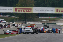 Accident nettoyé, Dane Moxlow et Lou Gigliotti continuent