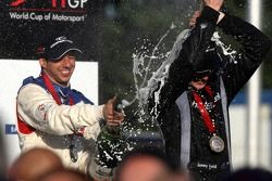 Podium: race winner Jonny Reid with third place Neel Jani