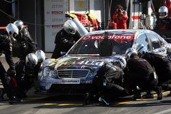 Pit stop for Paul di Resta, Persson Motorsport AMG Mercedes, AMG Mercedes C-Klasse