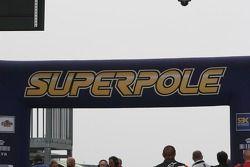 Superpole
