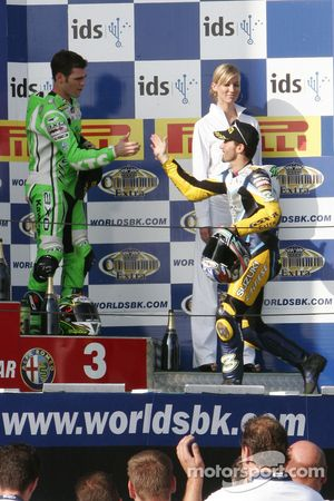 Congratulations between Fonsi Nieto and Max Biaggi