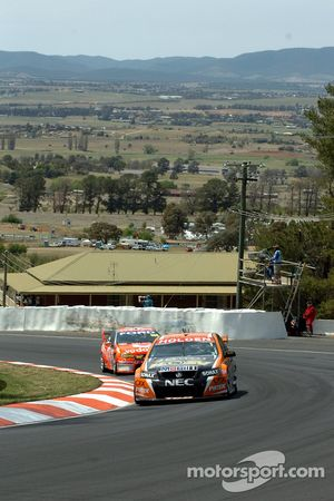 Rick Kelly being hounded by Craig Loundes