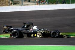 Lotus 76: Regout Y, B