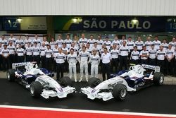 Photo de groupe de l'équipe BMW Sauber F1