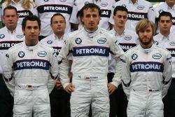 BMW Sauber F1 Team group picture: Timo Glock, Test Pilotu, BMW Sauber F1 Team, Robert Kubica, BMW S
