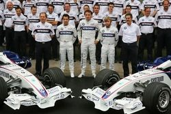 BMW Sauber F1 Team group picture
