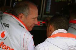 Ron Dennis, McLaren, équipe principale, président et Lewis Hamilton, McLaren Mercedes