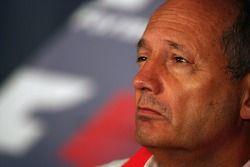 Conférence de presse FIA: Ron Dennis, McLaren, Team Principal, président