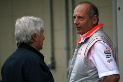 Ron Dennis, McLaren, Team Principal, président, Herbie Blash, observateur FIA