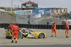 La Corvette C6-R (Johnny O'Connell, Jan Magnussen) dans le gravier du virage 3