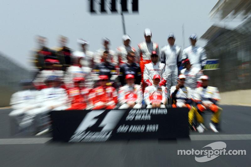 Foto de grupo: Lewis Hamilton, McLaren Mercedes