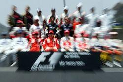 end, season group photo: Kimi Raikkonen, Scuderia Ferrari