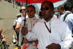 Льюис Хэмилтон, McLaren Mercedes и его отец Энтони