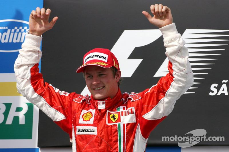 El Gran Premio de Brasil ya ha sido escenario de definiciones del título en F1, sobre todo cuando la carrera se trasladó a la parte final del calendario, comenzando en 2004: Fernando Alonso en 2005 y 2006, Kimi Raikkonen en 2007, Lewis Hamilton en 2008, Jenson Button en 2009 y Sebastian Vettel en 2012. Kimi fue el único que ganó la carrera y el título.