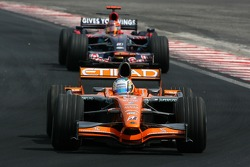 Adrian Sutil, Spyker F1 Team, Vitantonio Liuzzi, Scuderia Toro Rosso
