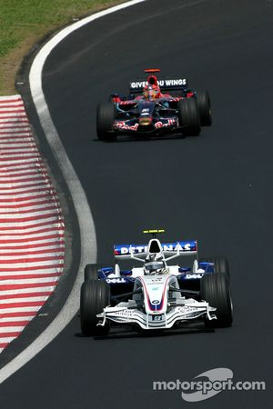 Robert Kubica, BMW Sauber F1 Team, Vitantonio Liuzzi, Scuderia Toro Rosso