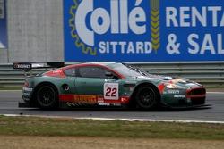 #22 Aston Martin Racing BMS Aston Martin DBR9: Jean-Marc Gounon, Ferdinando Monfardini