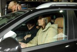 Kimi Raikkonen arrives, Z��rich airport Kloten ve his family ve eşi Jennie