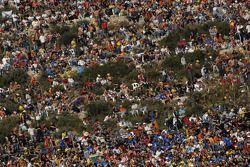 Фанаты в Валенсии готовы к гонке
