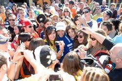 Марко Меландри с фанатами