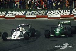 Keke Rosberg, Williams-Cosworth FW08C batalla por la posición con Danny Sullivan