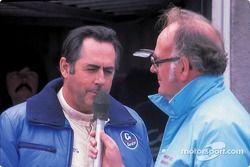 Jack Brabham fala com a imprensa