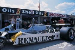 Гараж команды Renault-F1