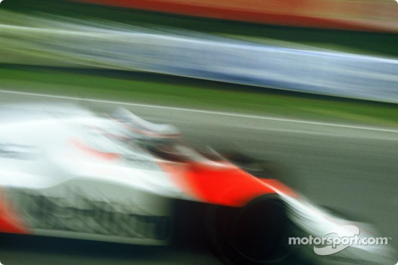 O líder naquele momento era Alain Prost com 35.5 pontos. Elio de Angelis era o segundo colocado, com 26, seguido de Niki Lauda com 24.