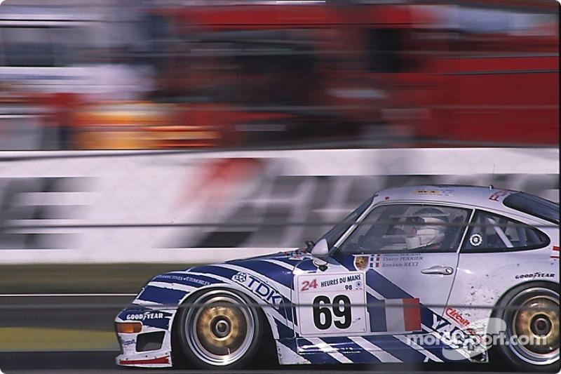 #69 Porsche 911 GT2: Michel Nourry, Thierry Perrier, Jean-Louis Ricci