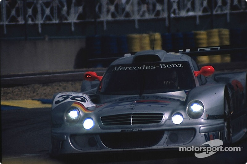#36 AMG Mercedes, Mercedes CLK LM: Jean-Marc Gounon, Christophe Bouchut, Ricardo Zonta