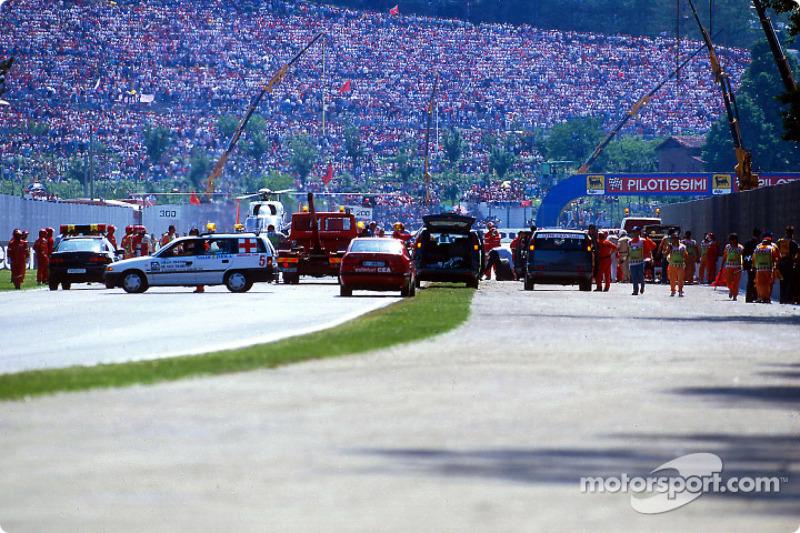 O acidente fatal de Ayrton Senna na curva Tamburello