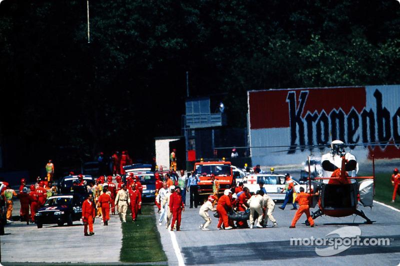 Ayrton Senna werd naar de helikopter gebracht