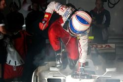 Anthony Davidson, Super Aguri F1 Team, gets out the car quickly