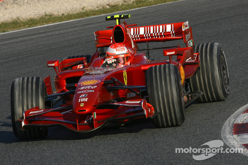 Michael Schumacher, Test Pilotu, Scuderia Ferrari, F2007 ve dirty tyres after he went into gravel