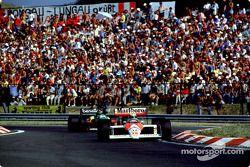 Ayrton Senna, McLaren MP4/4, Thierry Boutsen, Benetton B188