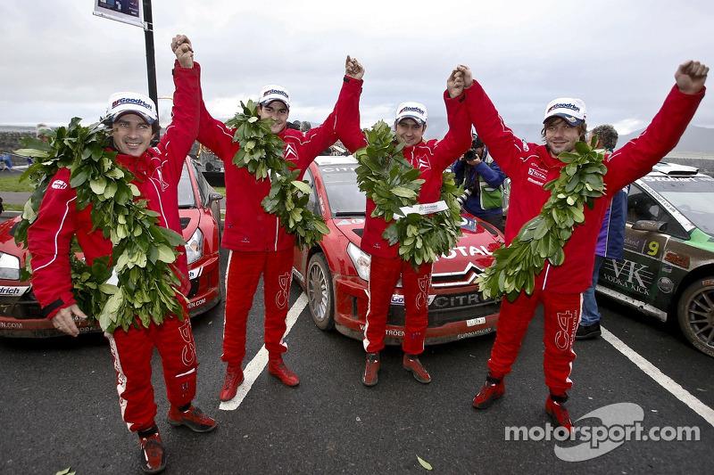 2007: Podio: Sébastien Loeb y Daniel Elena con Daniel Sordo y Marc Marti