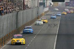 Yvan Muller, SEAT Sport, Seat Leon ed Alain Menu, Team Chevrolet, Chevrolet Lacetti