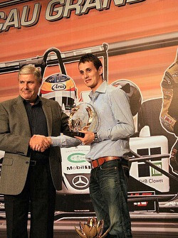 Oliver Jarvis collects another one of many trophies