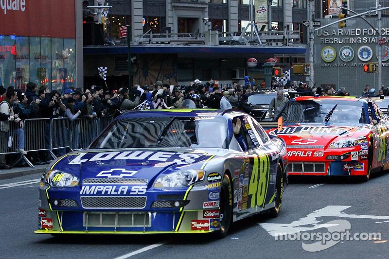 Jimmie Johnson The 2007 NASCAR Nextel Cup Champion Leads Nextel Cup