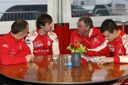 Reunión de Citroen Total con Guy Fréquelin, Sébastien Loeb y Daniel Sordo
