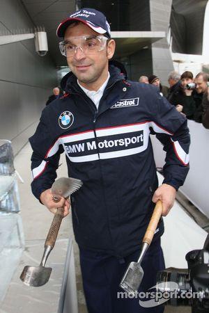 Ice carving, Jorg Muller, BMW Team Germany, BMW 320si WTCC