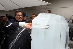 Ice Carving, Dr. Mario Theissen, BMW Sauber F1 Team, BMW Motorsport Direktör