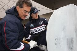 Ice carving, Dr. Mario Theissen, BMW Sauber F1 Team, BMW Motorsport Director and Robert Kubica, BMW Sauber F1 Team