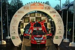 Podium: Guy Wilks and Phil Pugh, Subaru Impreza WRC
